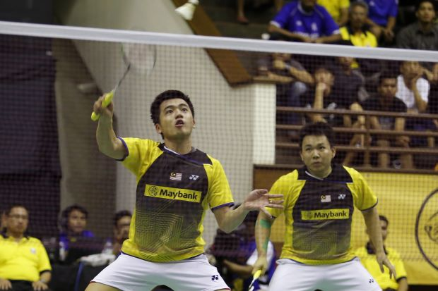 Hoon Thien How (right), who partners Tan Wee Kiong in the men's doubles, hopes that Malaysia can end their title drought in the event at this year's Malaysia Open tournament after four years.