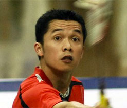 Taufik Hidayat playing in Indian Badminton League