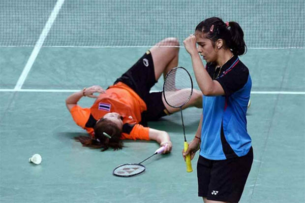 Saina Nehwal and PV Sindhu lead India to semis