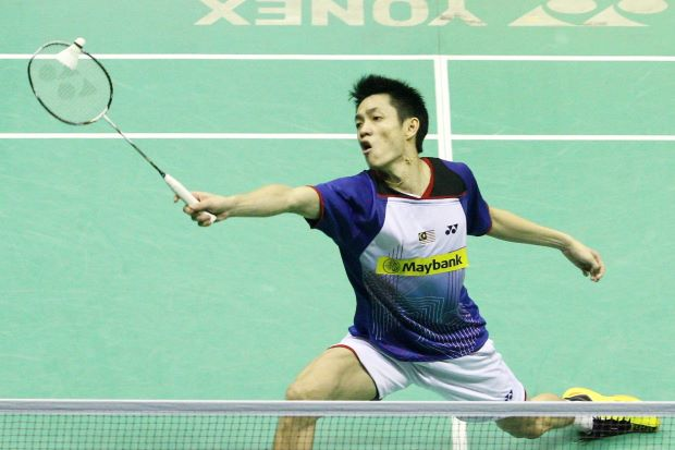 A swollen left foot forced Liew Daren to concede a walkover in his first round Denmark Open match against India's P. Kashyap.