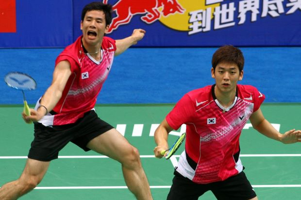 Lee Yong-dae (right) with previous partner Ko Sung-hyun in a file photo. Yong-dae's partnership with Yoo Yeon-seong still looks a bit shaky.