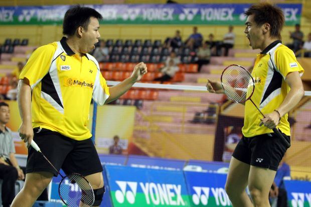 World no. 9 Hoon Thien How (left) and Tan Wee Kiong can clinch their spot in the Super Series Finals (Top 8) next month when they compete in the China Open from Nov 12-17.