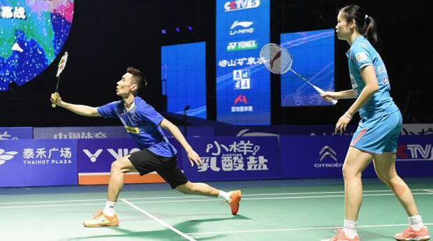 Lee Chong Wei beats Chen Long in exhibition at China Badminton Super League